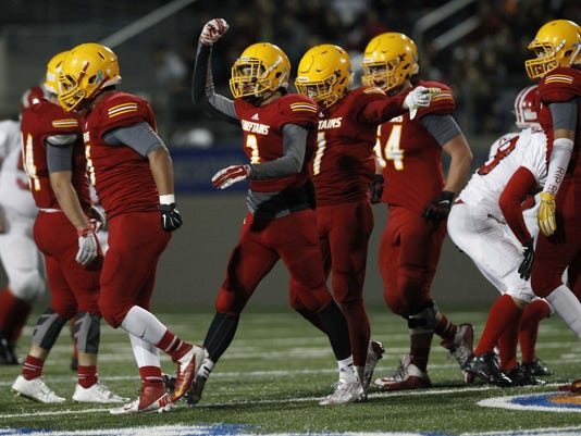 635825050518775454-20151106-football-palma-hollister-vm-9