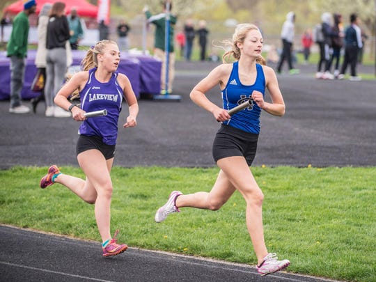 Harper Creek and Lakeview runners compete in the 3,200-meter