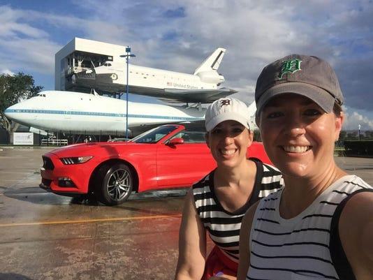 TRAVEL_Houston space shuttle