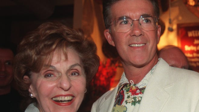 Alan Thicke and Frau Weisler pose together during a dinner for the cast of the musical Chicago in July 1988 in Costa Mesa, Calif. Thicke died on Tuesday, Dec. 13, 2016. (Don Bartletti/Los Angeles Times/TNS