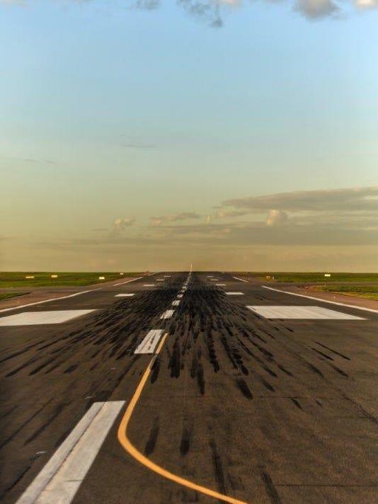 635688527147689711-runway
