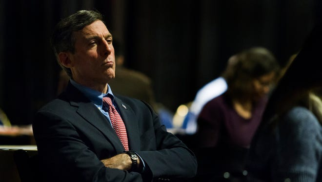 Delaware's political races are beginning to take shape, but only slowly, as U.S. Rep. John Carney delays an expected announcement about the 2016 marquee race for governor as he continues to recover from hip replacement surgery.