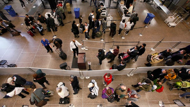You may still be able to find a flight to join the Thanksgiving throngs, but there's a checklist you should follow to make sure you don't overpay.