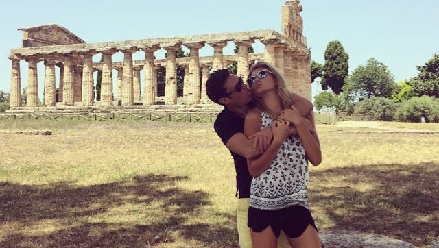 Ryan Seacrest and Shayna Taylor vacation in Italy.