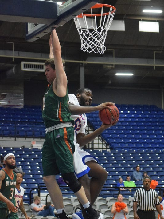 The men's and women's basketball teams from Louisiana College hosted the University of Texas Dallas, 2018 at the Rapides Parish Coliseum.