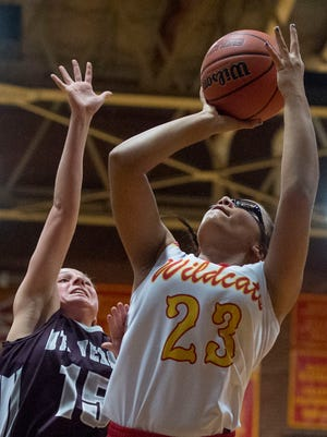 Mater Dei's Mariah Dickerson (23) rises for a shot against Mount Vernon during her freshman season. Now a sophomore, Dickerson recently made her return to the court from a knee injury.