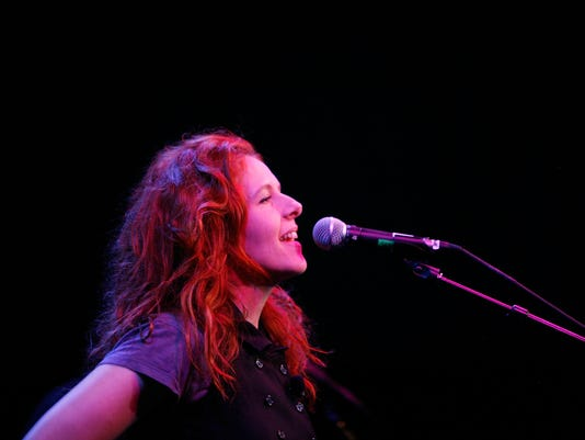 GTY THE 2009 NEW YORKER FESTIVAL: NEKO CASE INTERVIEW & PERFORMANCE E ACE USA NY