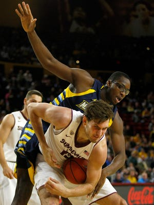 Arizona State improved to 6-0 with a 79-77 win over Marquette.