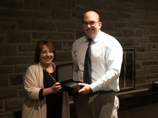 Joe Schieve receives the S'Park Media Mentor Award
