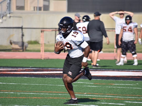 Former Pacifica High running back Thomas Duckett could