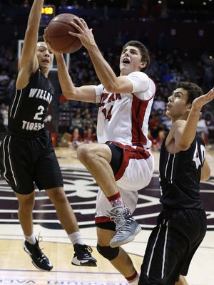 Parker Hanks, center, and the Ozark Tigers will take on Class 5 No. 3 St. Louis University High as part of the 2017 Scoreboard Guy Shootout.