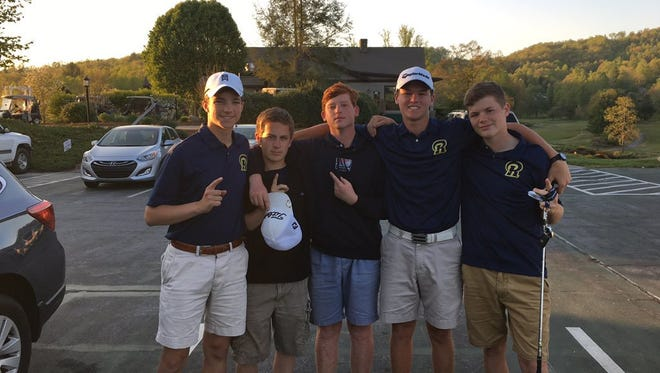Roberson rising senior Matt Sharpstene, second from right, shot 66 in Tuesday's second round of the U.S. Junior Amateur golf tournament in Ooltewah, Tenn.