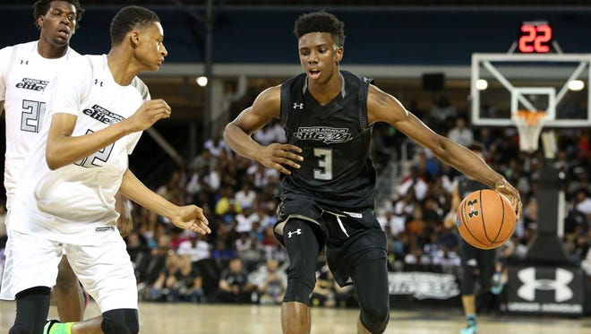 Five-star guard Hamidou Diallo announced his decision to commit to Kentucky after a recruiting trip late in December.