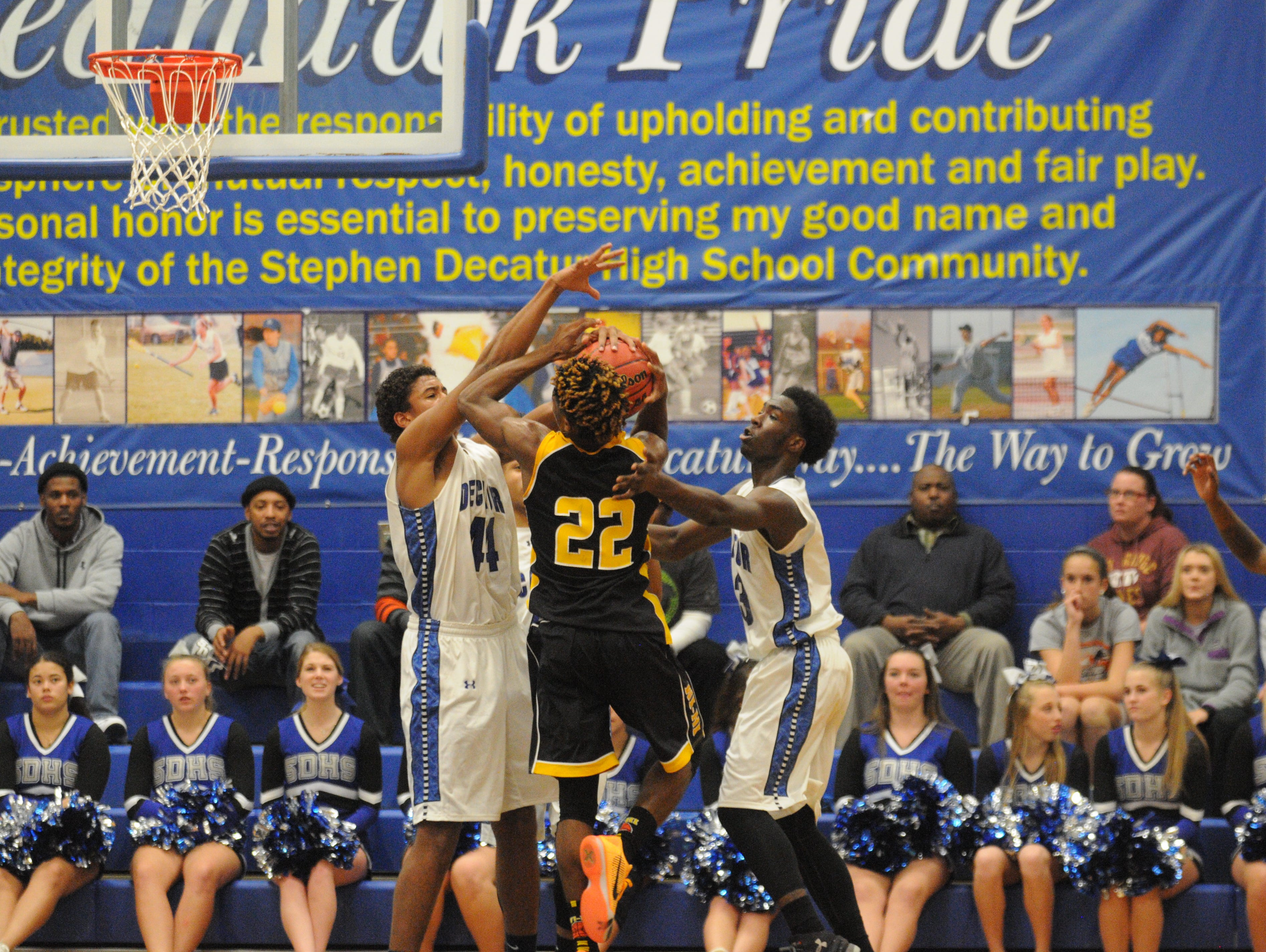 Stephen Decatur's pressure led to Wicomico's poor shooting as the Seahawks improved to 2-0 with a 90-62 win on Tuesday in Berlin.