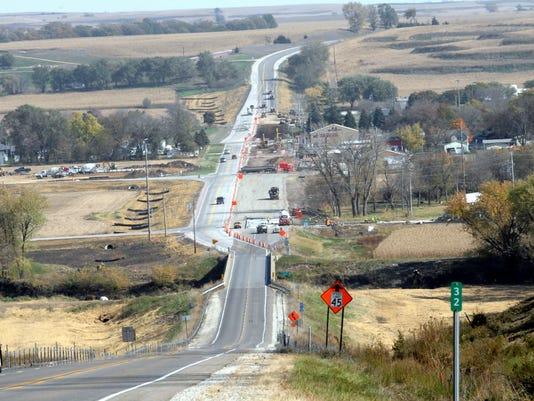 635858616124145995-U.S.-20-on-hill-at-Correctionalville-Iowa-DOT-photo.jpg