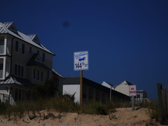 Dune crossing signs at 144th Street in Ocean City