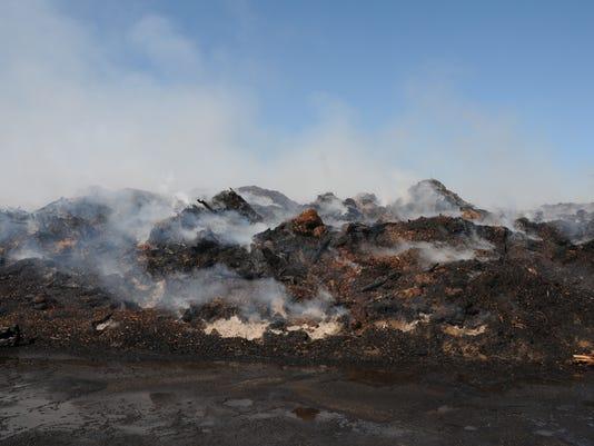636096338978864344-SALBrd-09-16-2016-Statesman-1-A004--2016-09-15-IMG-Compost-pile-fire-1-1-TQFNVOBM-L883311293-IMG-Compost-pile-fire-1-1-TQFNVOBM.jpg