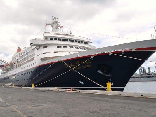 636125288647303320-cruise-ship.jpg