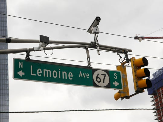 A traffic signal at Lemoine Ave. and Bruce Reynolds