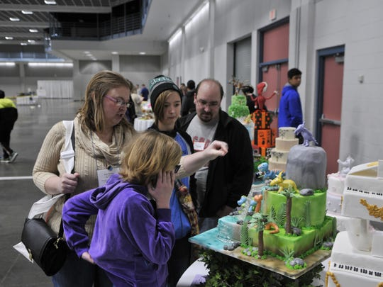 Attendees of the Upper Midwest Bakery Association's