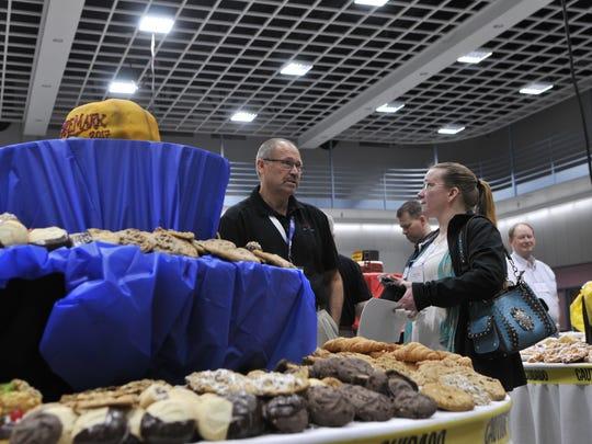 Members of the Upper Midwest Bakery Association meet