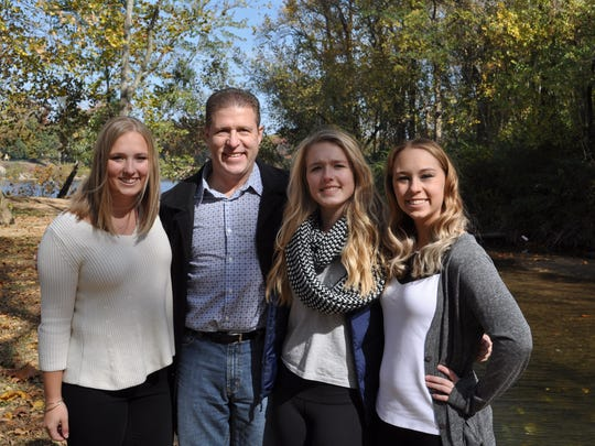 New Michigan State hockey coach Danton Cole with daughters