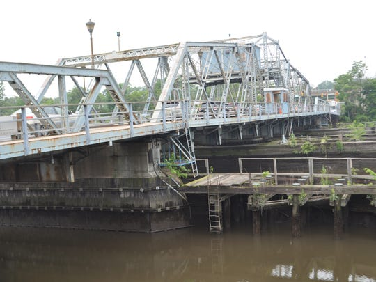 Options to replace the De Jessa Memorial Bridge in Lyndhurst are being considered.