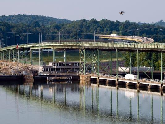 636337353581491496-0621-KCLO-bridge-02-MC.JPG