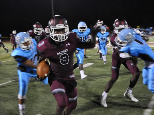 Malachi McFadden scoring a two-point conversion for