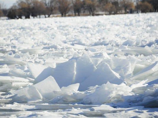 636506786456421973-636506751075560697-river-ice2.jpg