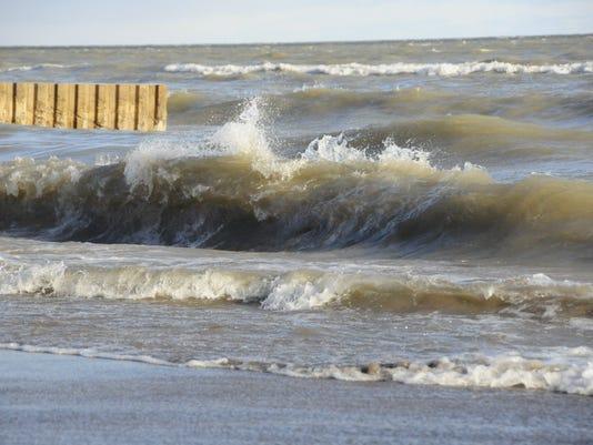 636555814301134387-big-waves6.jpg