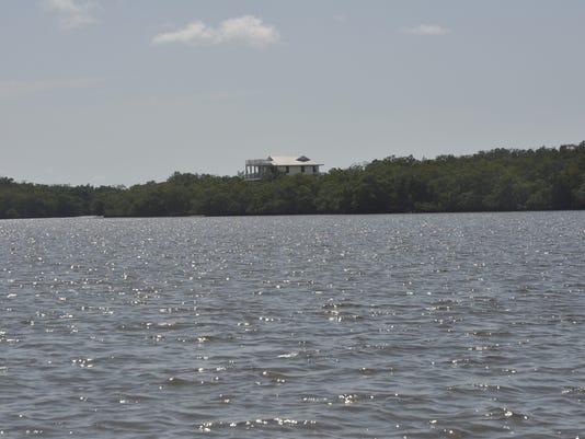 Crescent-Island-33-.JPG