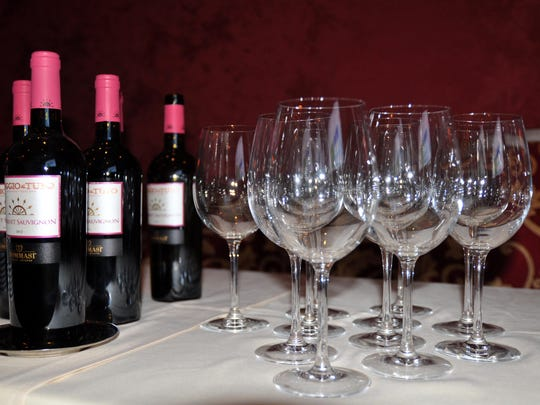 Fabulous wine dinners are taking place throughout Southwest Florida in October.