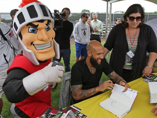 Hundreds Team Up With Tim Howard At Awareness Event