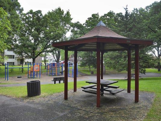 STC 0620 Goldthorpe Park 1