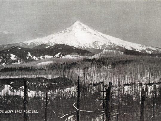 1963.001.0021.0006.04.01 - 1904 Mt. Hood - Renska Swart collection