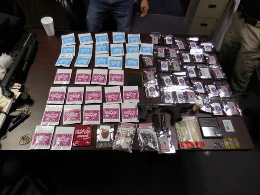 635844878446400300-drugs.jpg