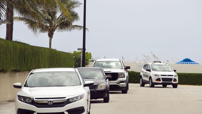 The free one-hour parking on Sunrise Avenue will change to paid parking at a rate of $3 per hour in Palm Beach.