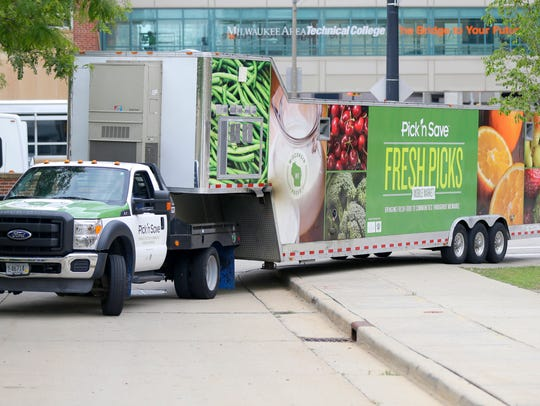 The Fresh Picks Mobile Market pulls up to the downtown