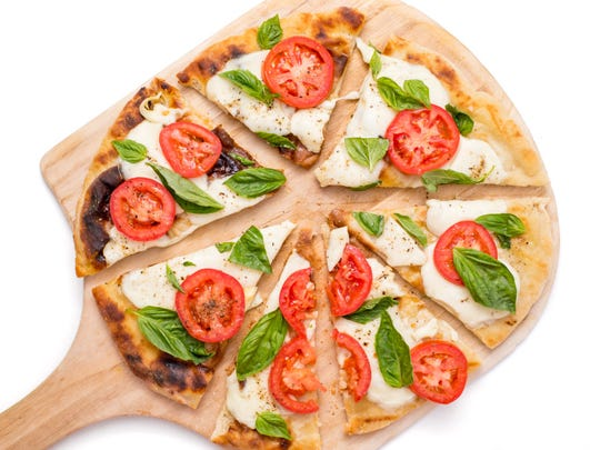 Bobby Flay's margherita grilled pizza