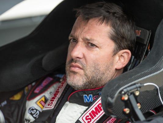 XXX NASCAR--Duck-Commander-500-Qualifying__1320