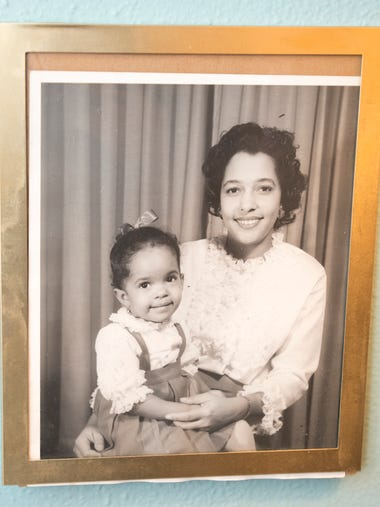 A photograph of Jawana Jackson and her mother, Richie