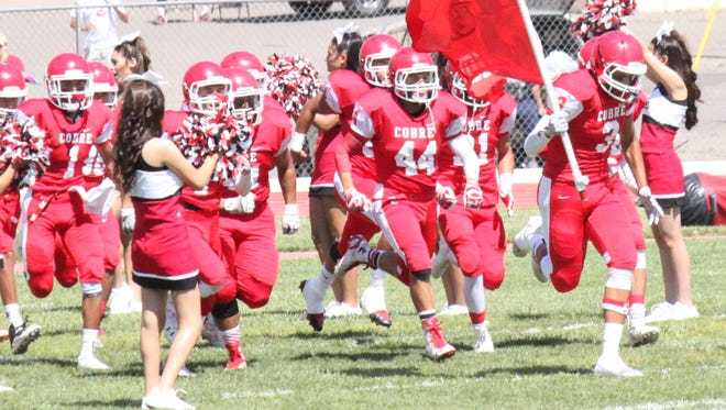 Cobre is ready to compete against its rival Silver High and the squad is looking for a win in the district finale.