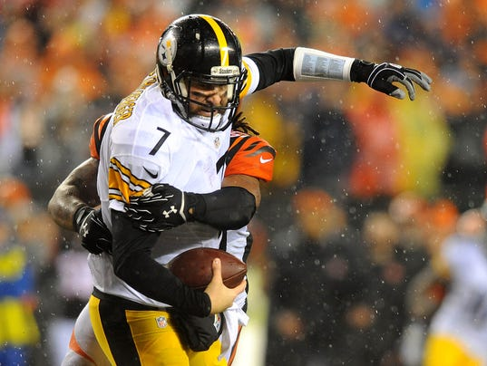 USP NFL: AFC WILD CARD-PITTSBURGH STEELERS AT CINC S FBN USA OH