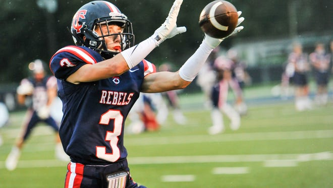 Hayden Clause catches a pass as Teurlings Catholic host the Notre Dame Pios. September 16, 2016