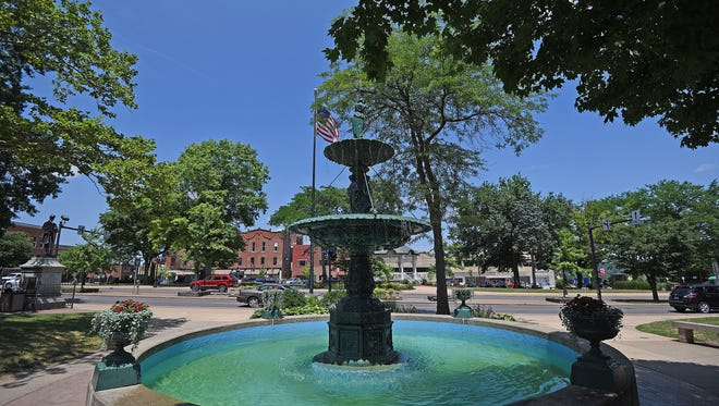 The Vasbinder Fountain in Central Park in downtown Mansfield.
