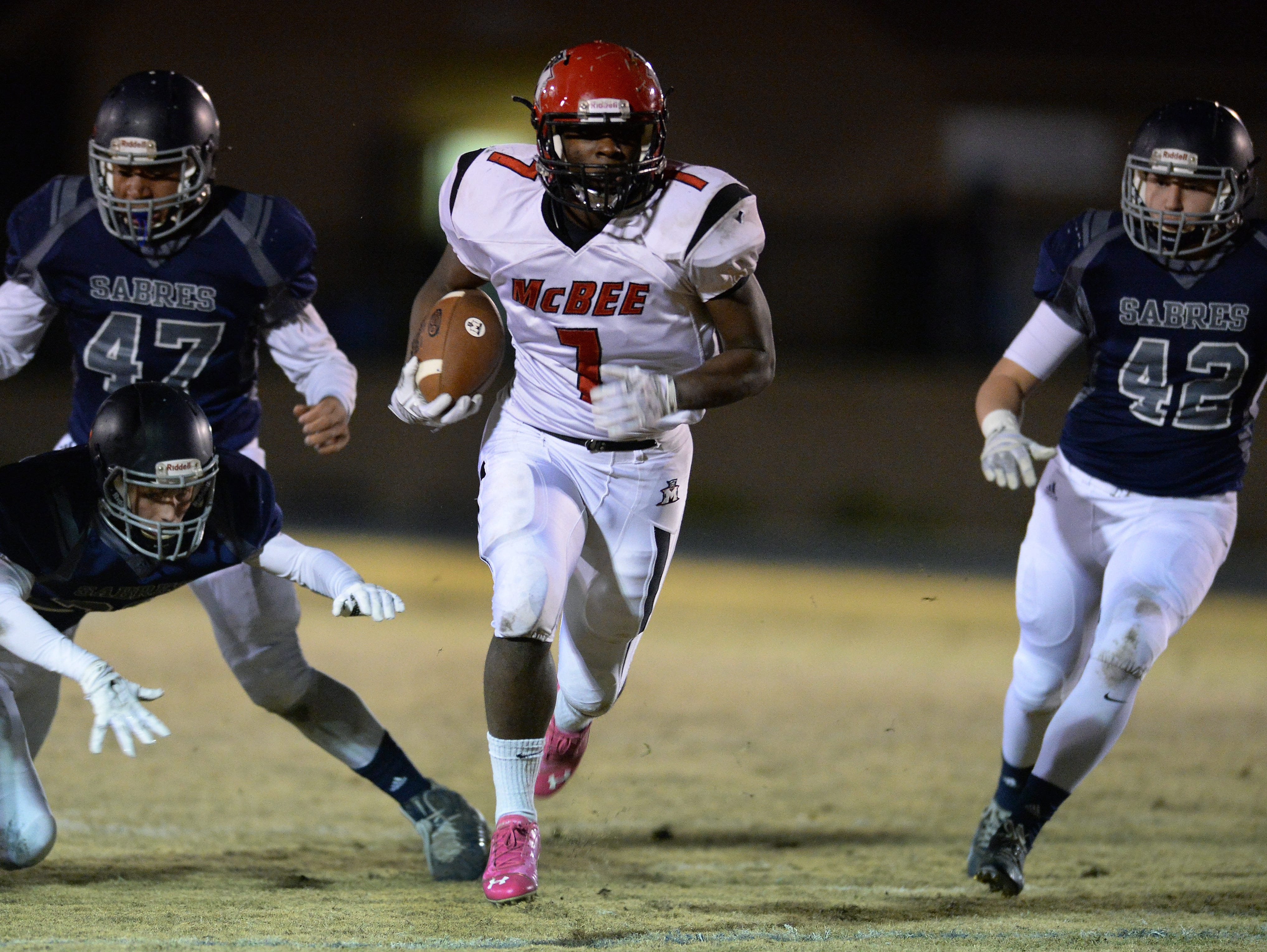 McBee's Dashonnell Wright (7) breaks free to score against Southside Christian during the Class A Division I playoffs Friday, November 27, 2015.