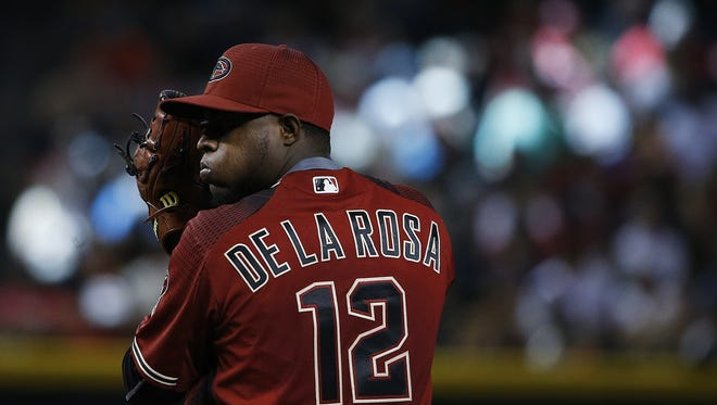 Diamondbacks' Rubby De La Rosa (12) pitches against the Giants in the fourth inning at Chase Field on May 15, 2016 in Phoenix, Ariz.