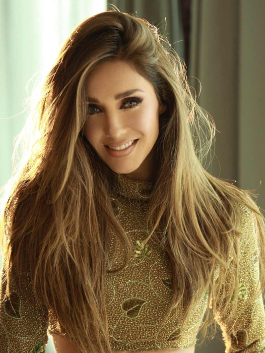 636126675299189334-Anahi-sony-music.jpeg