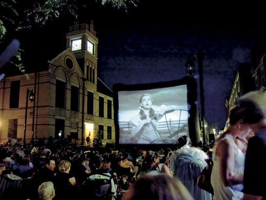 The streets of Oconomowoc filled during a 2009 Moonlit